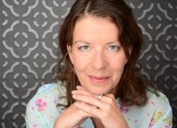 Bettina Laustroer