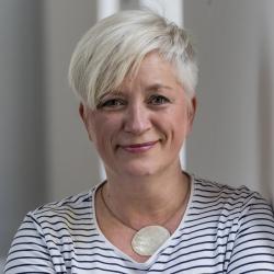 Katja Lotze